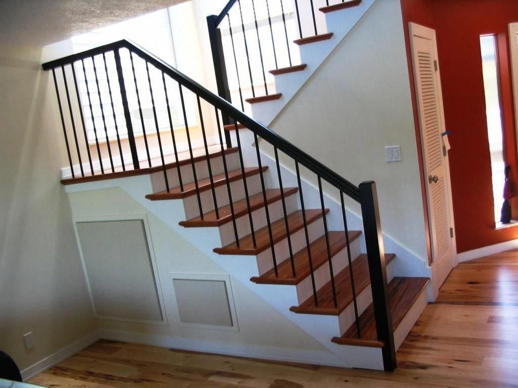 Twenty Five Beautiful Creative Ideas For Ironstaircase In 2020 Wrought Iron Stair Railing Home Stairs Design Metal Stair Railing
