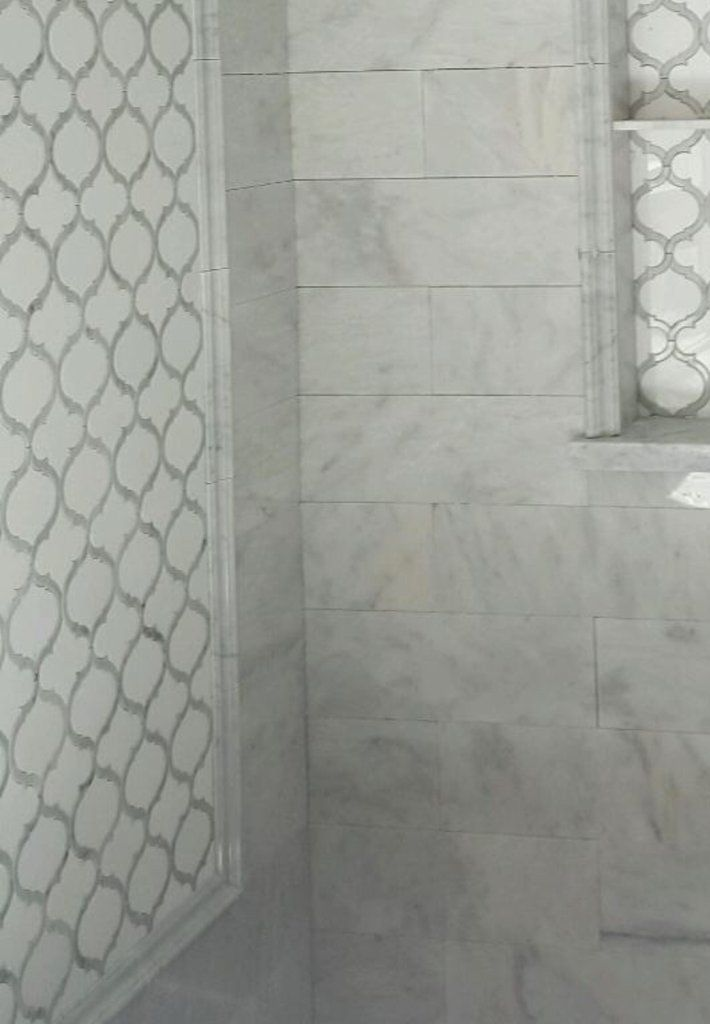 White Thassos And Bianco Carrara Marble Waterjet Mosaic Tile In Arabesque Marrakech Bathrooms Remodel Waterjet Mosaic Tile Bathroom Design