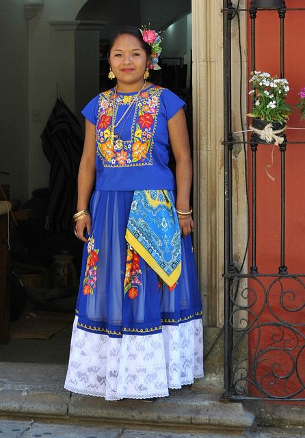 Oaxaca Beauty in Blue | por Ilhuicamina