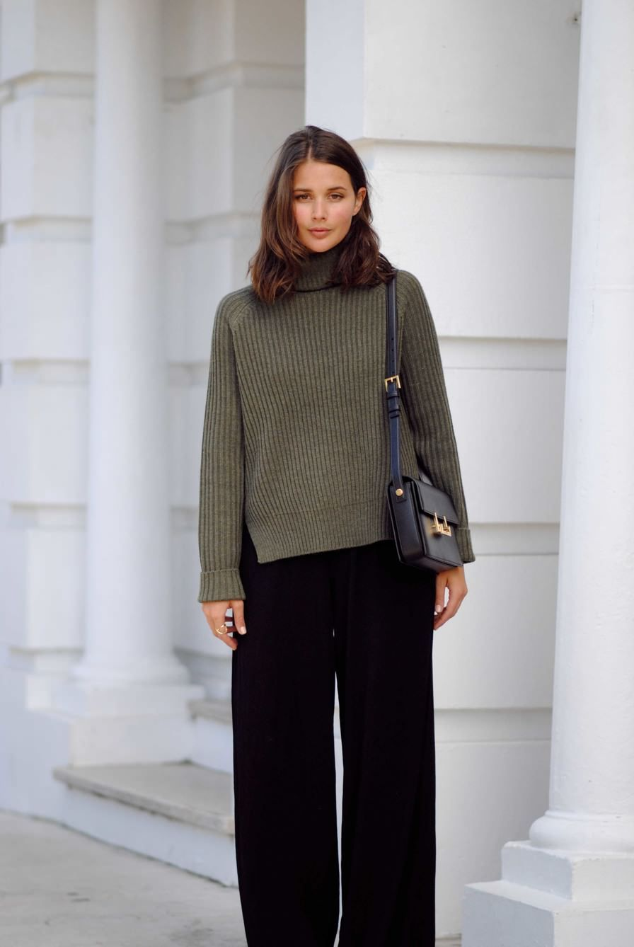 Sara from Harper & Harley wears the CAMILLA AND MARC Rotation Knit Pullover made in soft, merino wool. http://www.camillaandmarc.com/rotation-knit-pullover-khaki.html