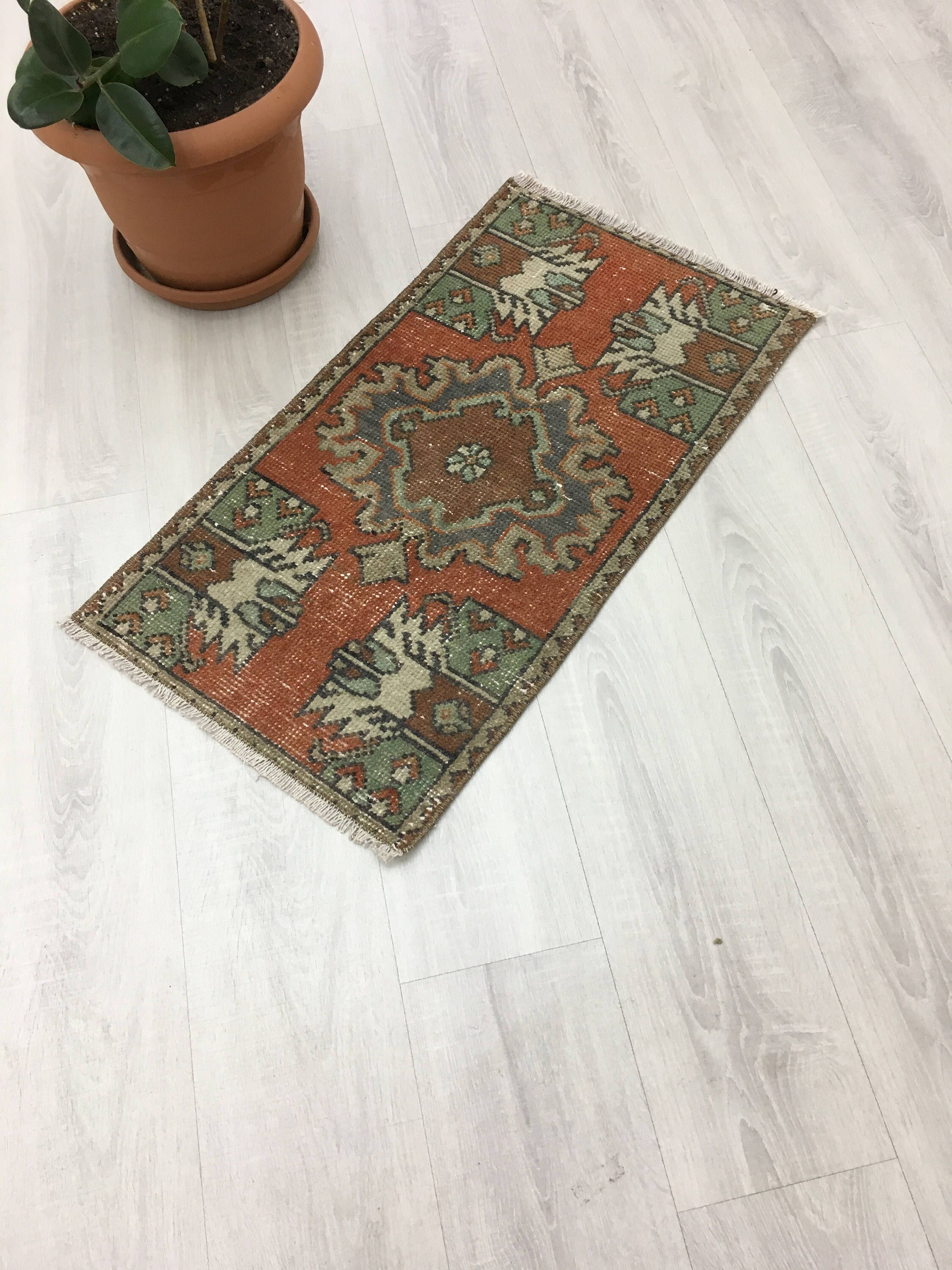 Rustic Country Style Vintage Small Turkish Rug Unique Nomadic Woven Low Pile Muted Yastik