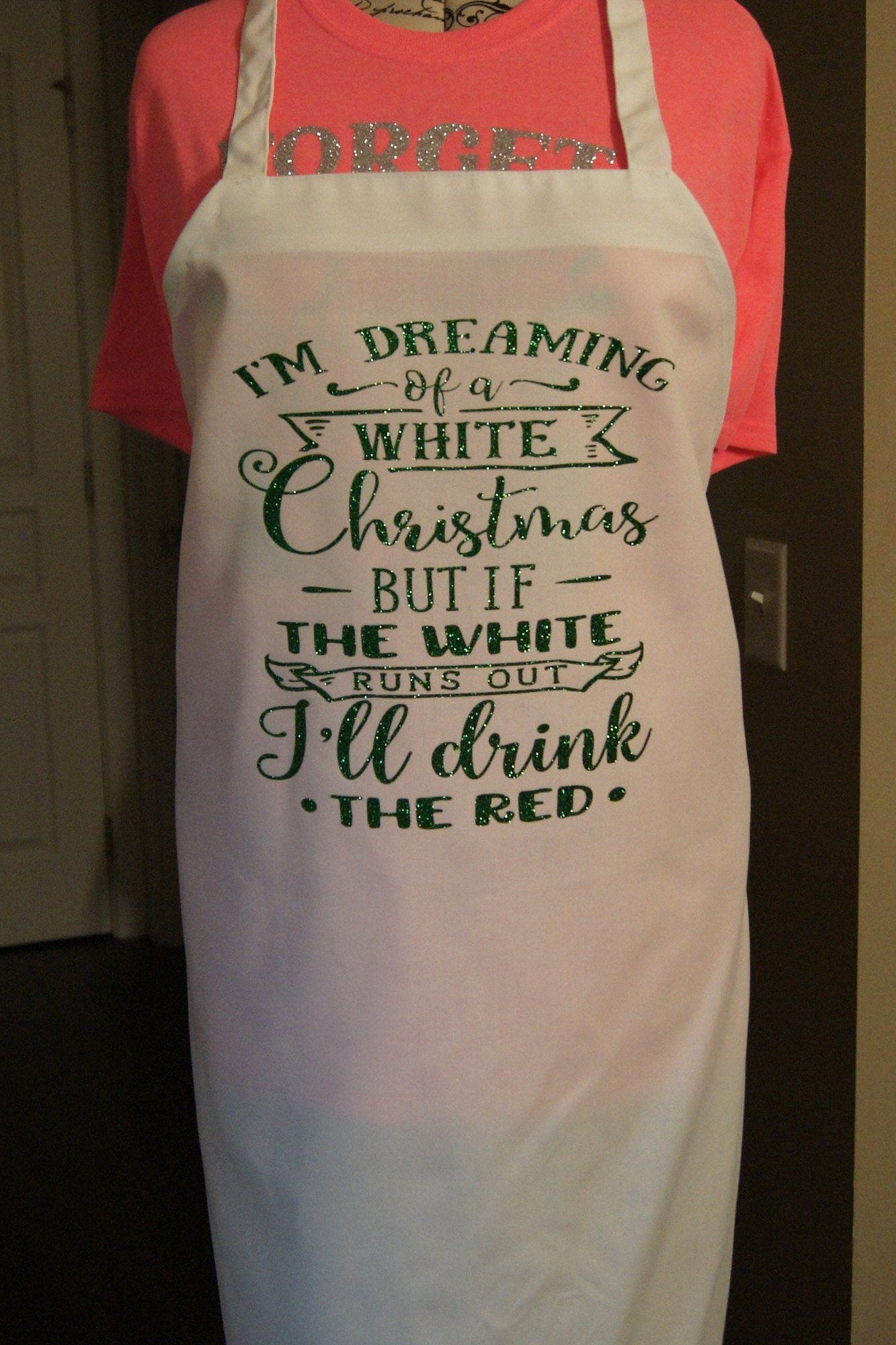 I'M DREAMING OF A WHITE CHRISTMAS LOTS OF FUN NEW UNISEX APRON RED AND WHITE