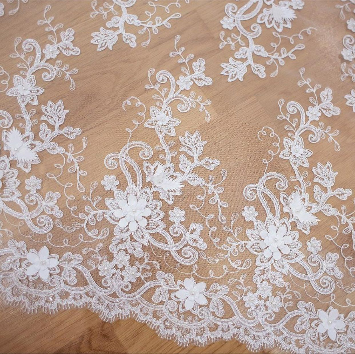 Fashion lace fabric dress lace elegent tulle french guipure lace ...