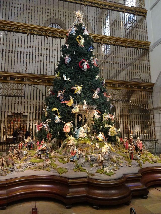 Metropolitan Museum Of Art Christmas Tree Christmas Tree Christmas Antique Christmas