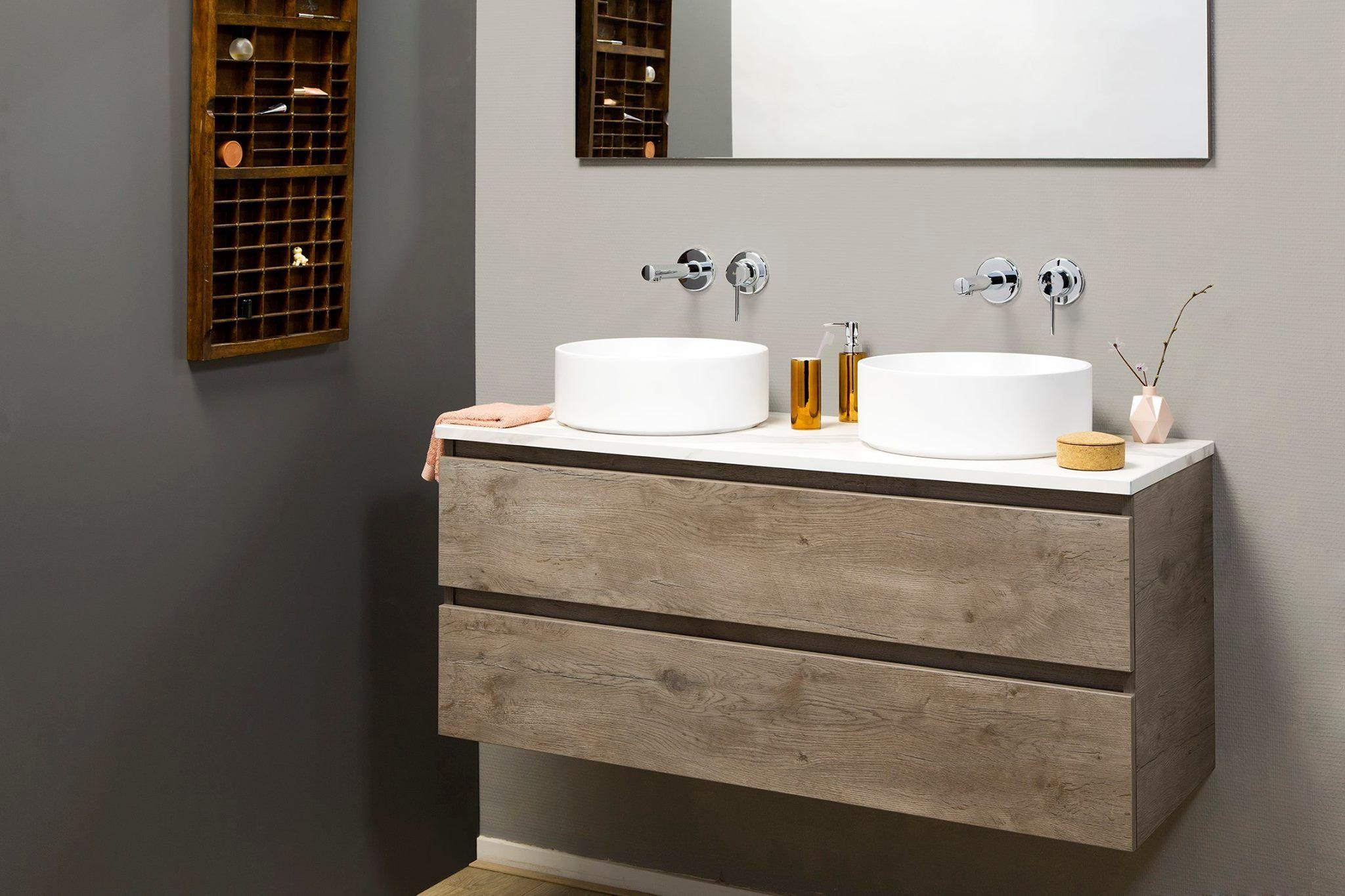 Badkamermeubel met houtlook en opbouwkommen dekker zevenhuizen badkamermeubels badkamer - Badkamermeubels steen ...