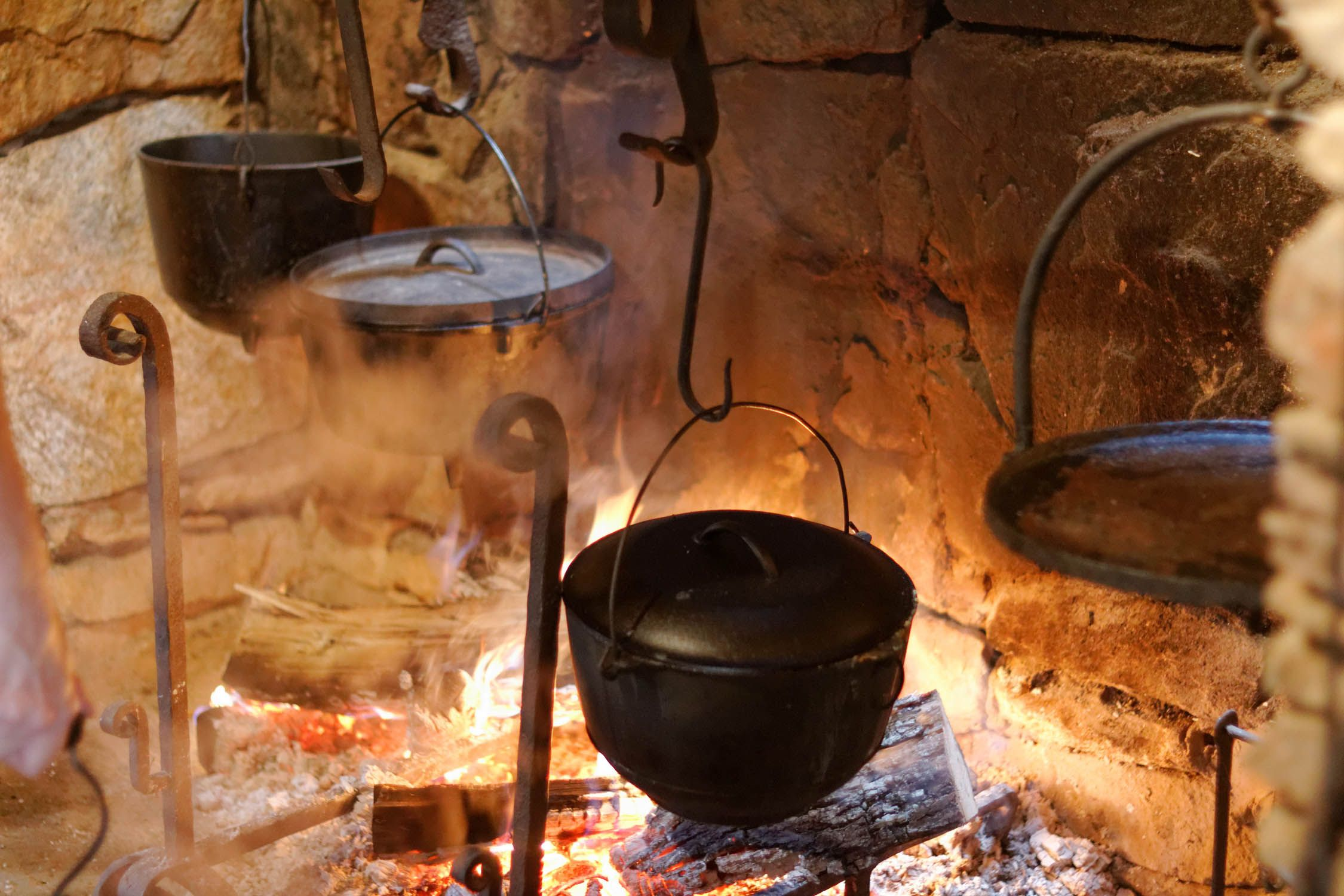 river rockopen cooking hearth - Google Search | cabin | Pinterest ...