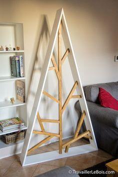Un sapin de Noël design en bois par TravaillerLeBois