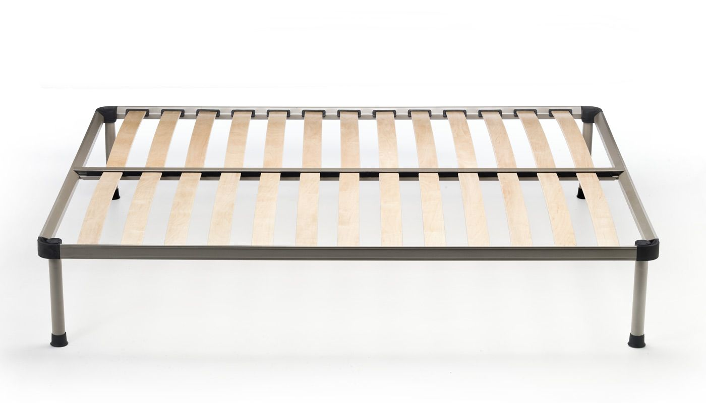 Remina | ZIGFLEX Remina and Svelto bed bases are made of exclusive, patented, high-resistance wood profiles (h. 46 mm) with patented polyamide corner joints. 13 multi-ply slats (68×8 mm) of Valletto wood (mattress holder cot) made of round tubing (diameter 25 mm), 14 multi-ply slats (68×8 mm). With wheels. #madeinitaly #goodsleep #bedsteads