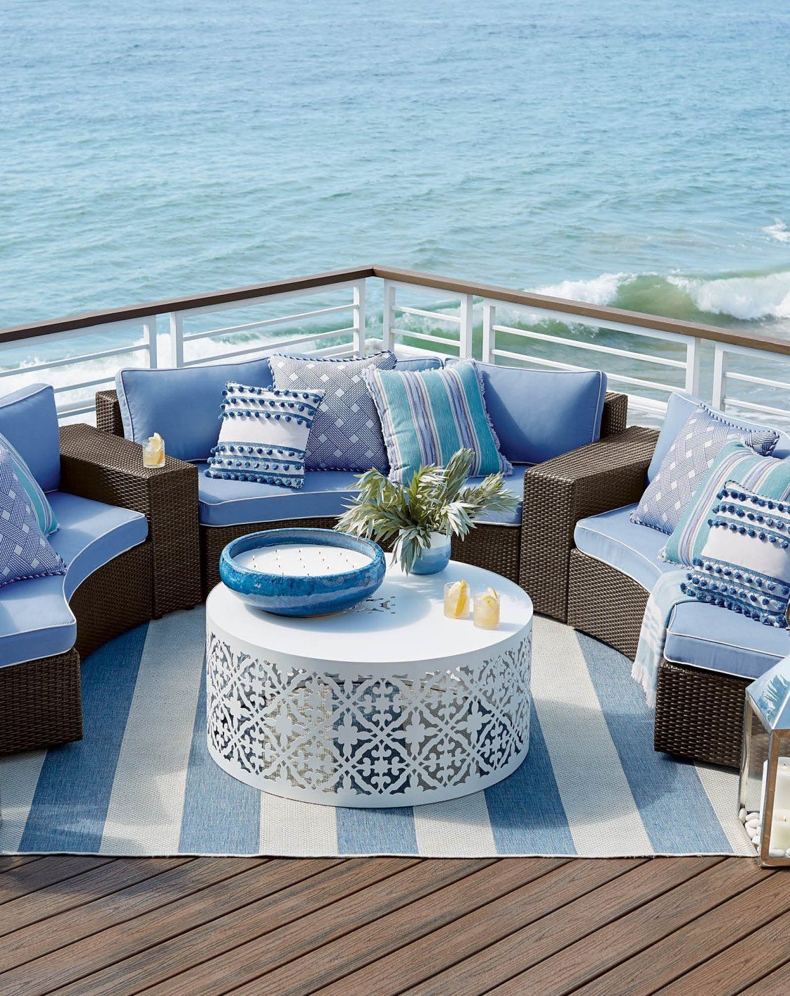 Comfortable Cushioned Pieces In Circular Formation Make It Easy For The Pasadena Modular Collection To Create Ultimate Open Air Chat Room