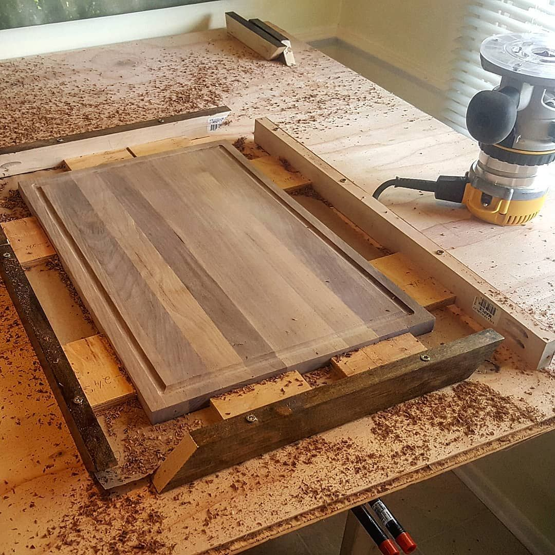Created A Jig For The Juice Grooves It Worked Out Pretty Well How Do You Guide You Router Arstisan Besp Woodworking Garage Workbench Plans Diy Juice