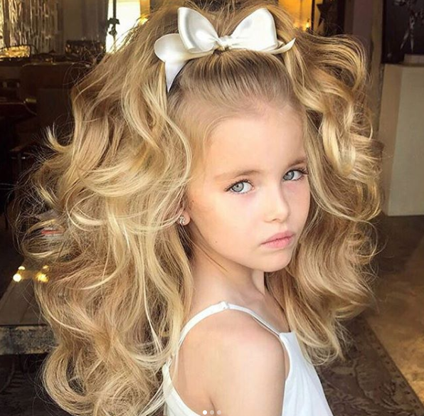 Curls Recreate This Look With The Sutra 32mm Curling Iron Girls Pageant Hair In 2020 Natural Curls Hairstyles Girl Hairstyles Hair Styles