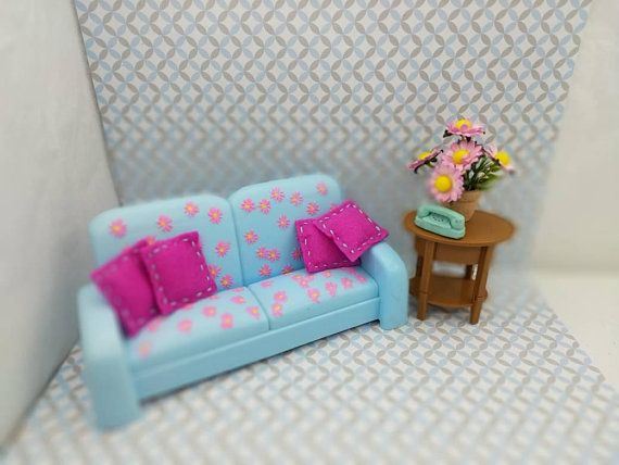 Barbie Living Room Fold Out Sofa With Table And Flowers 11 Dolls Furniture  #BarbieDoll #