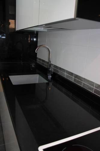 Dise o de cocinas dise o de cocinas en pinto modelo rey - Granito negro intenso ...
