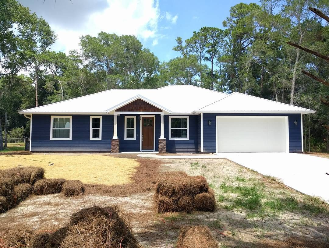 Sherwin Williams Naval Blue Craftsman Home Ourcoastalcraftsman On Instagram Its Been A Littl House Exterior Blue House Paint Exterior Ranch House Exterior