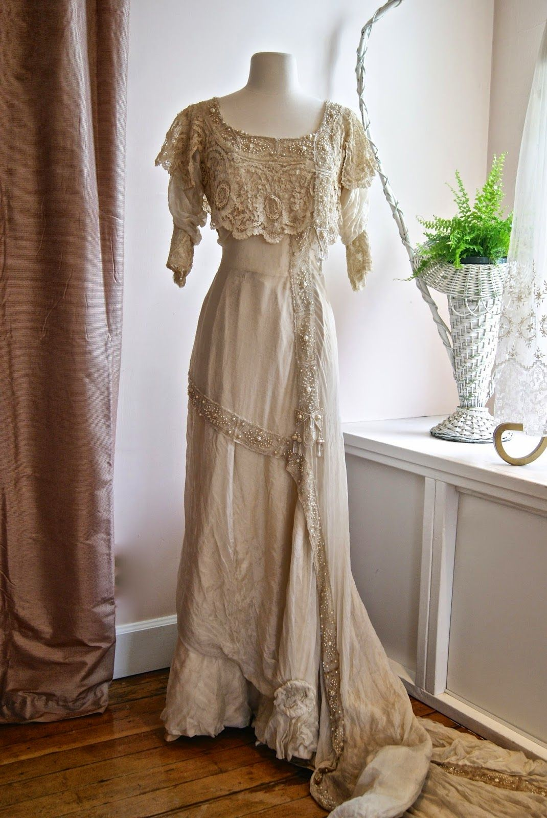 Xtabay vintage clothing boutique portland oregon dresses vintage wedding dress xtabay vintage clothing boutique portland oregon love it id take the sleeves off ombrellifo Gallery