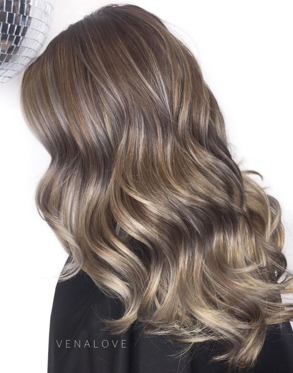 60 Shades Of Grey Silver And White Highlights For Eternal Youth Brown Hair With Silver Highlights Brown Hair With Highlights Brown Hair With Highlights And Lowlights