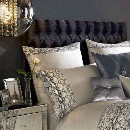 Kylie Minogue at Home Adira Pillowcase Proyecto Pinterest