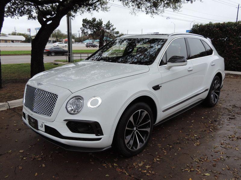 White Bentley Bentayga 2017