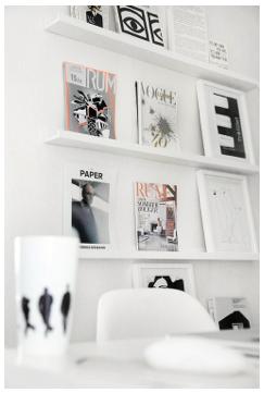 Branco no escritório.