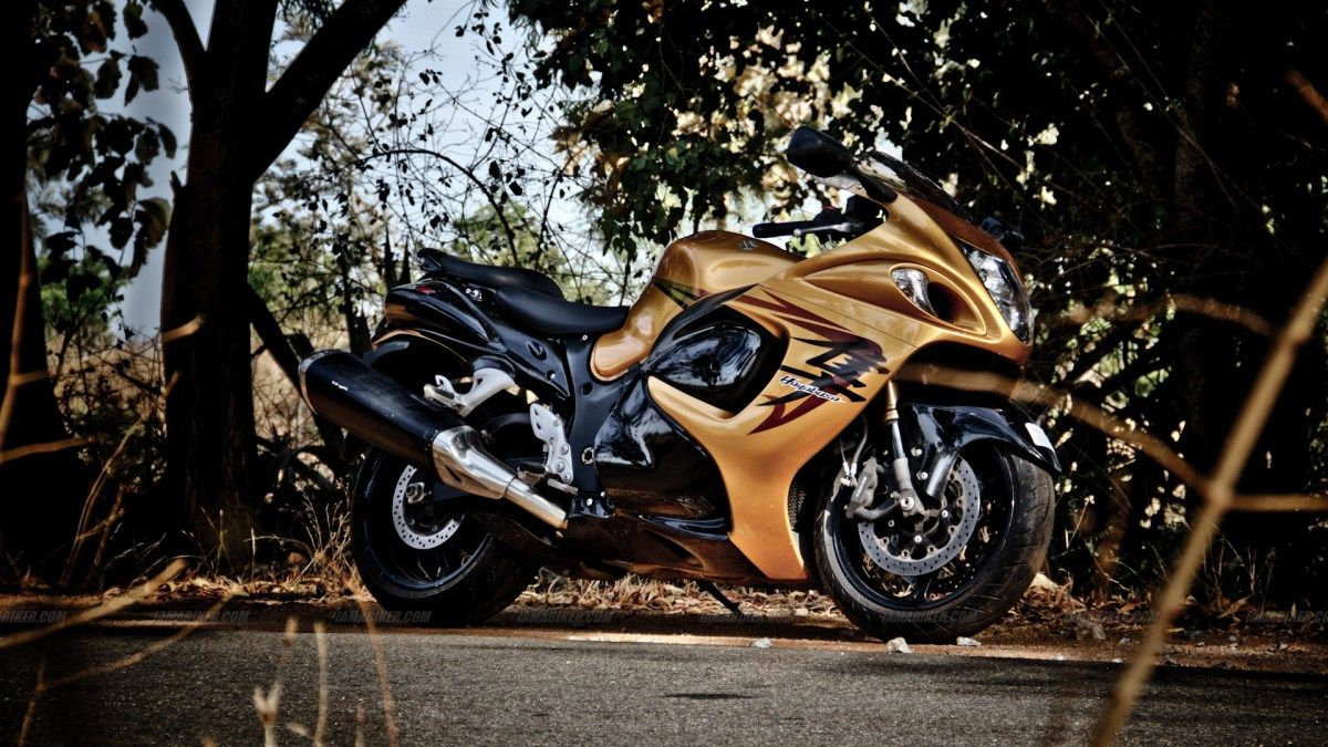 Golden Suzuki Hayabusa Wallpaper HD For Iphone