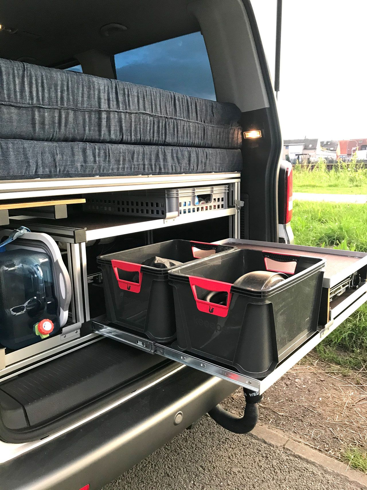 Vanlife Bus Mobelbau Mobeldesign Campingmodule Ideen T5 T6 V Klasse In 2020 Camping Vw T5 Wohnwagen