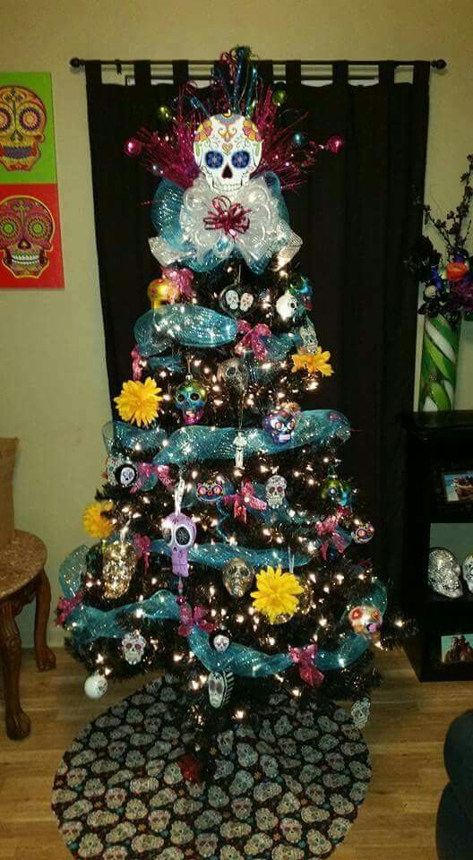 Nooooo Thank You. Hell naw!!!!!! A sugar skull/Halloween themed tree???? Omg a Halloween bday & Xma..... I CANT EVEN