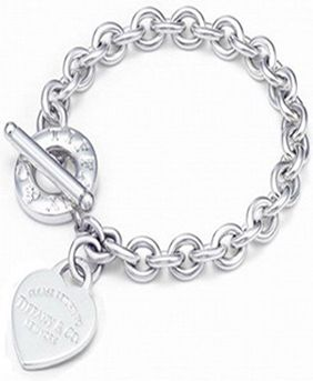 fe3434678f7e92 Return to Tiffany & Co Heart Tag Toggle Bracelet OMG! I did not know they  had an outlet!!