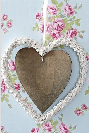lovely little hanging decoration, cute vintage inspired