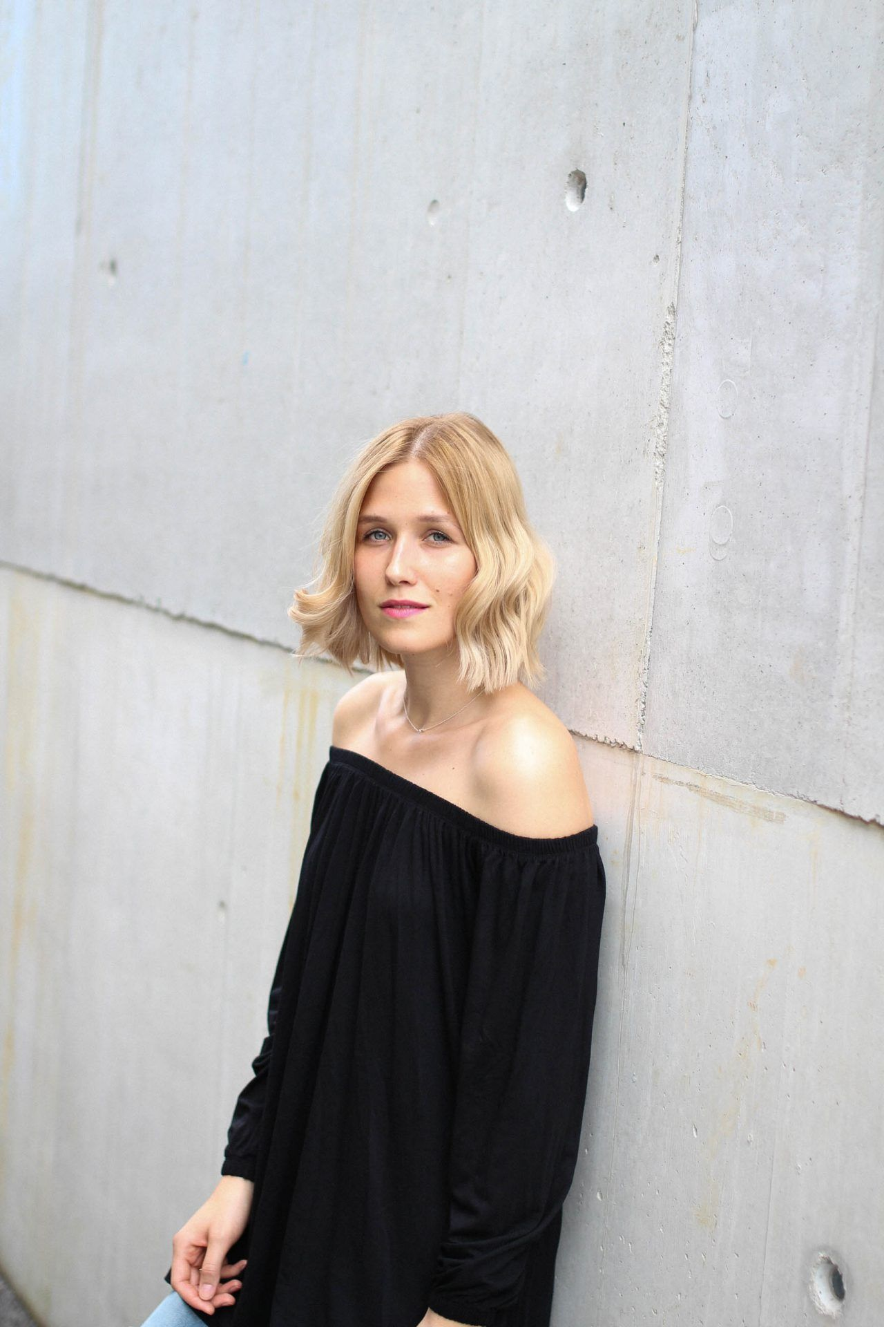 tifmys – Asos off-shoulder dress. Photo by team Constantly_k