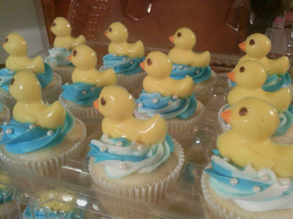 Baby Shower Duck Cupcakes with white sprinkles for bubbles
