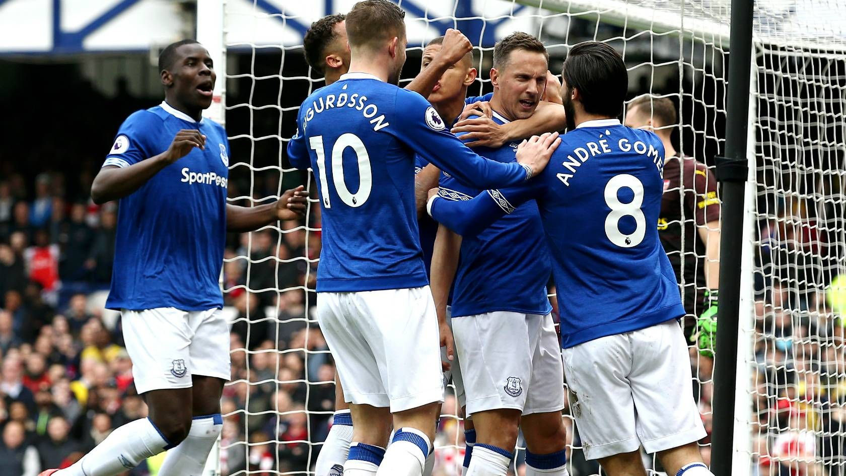 Everton 10 Arsenal Jagielka scores only goal as Toffees