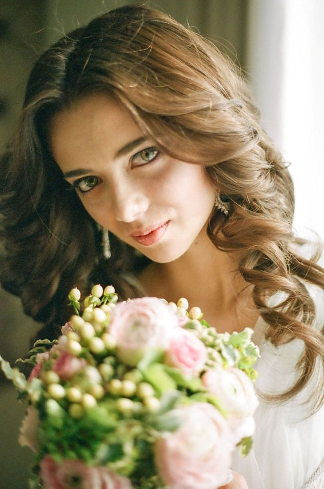 #bridal_beauty #hair   Photography: Morning Allure   more on http://bridetips.ru/%D0%BC%D0%B0%D0%B3%D0%B8%D1%8F-%D0%BF%D0%BB%D0%B5%D0%BD%D0%BA%D0%B8-%D0%BE%D1%82-morning-allure/