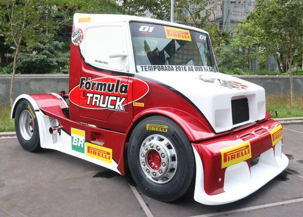 "Uživatel Pirelli Brasil na Twitteru: ""Está chegando! #Pirelli FR:01 estreia neste final de semana @Formula_Truck https://t.co/NLxQ0wVbn2"""