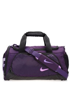 ea28ae958 Sporty and trendy, this Nike duffel bag is the ideal gym bag for all  fitness enthusiasts! Available via www.namshi.com