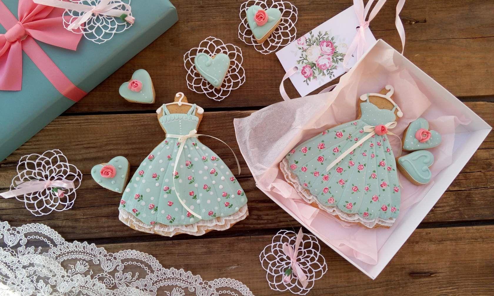имбирныепряники #медовыепряники ##печеньевалматы #пряникивалматы #айсинг #алматы #cookies #cookieart #cookiedecor #cookiedecorating #handmade #royalicing