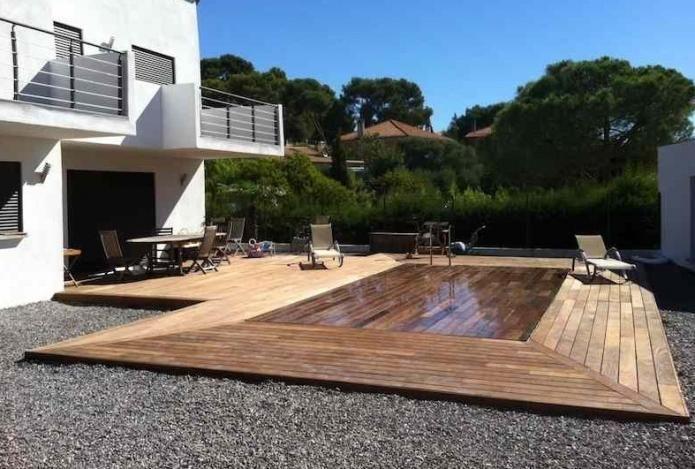 La piscine à fond mobile qui devient terrasse http://www ...