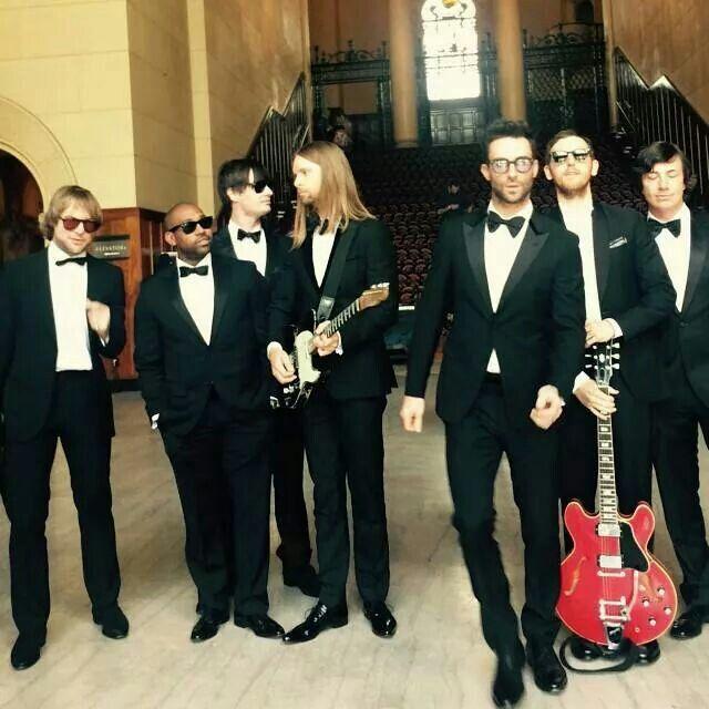 M5 Sugar Maroon 5 Adam Levine Maroon