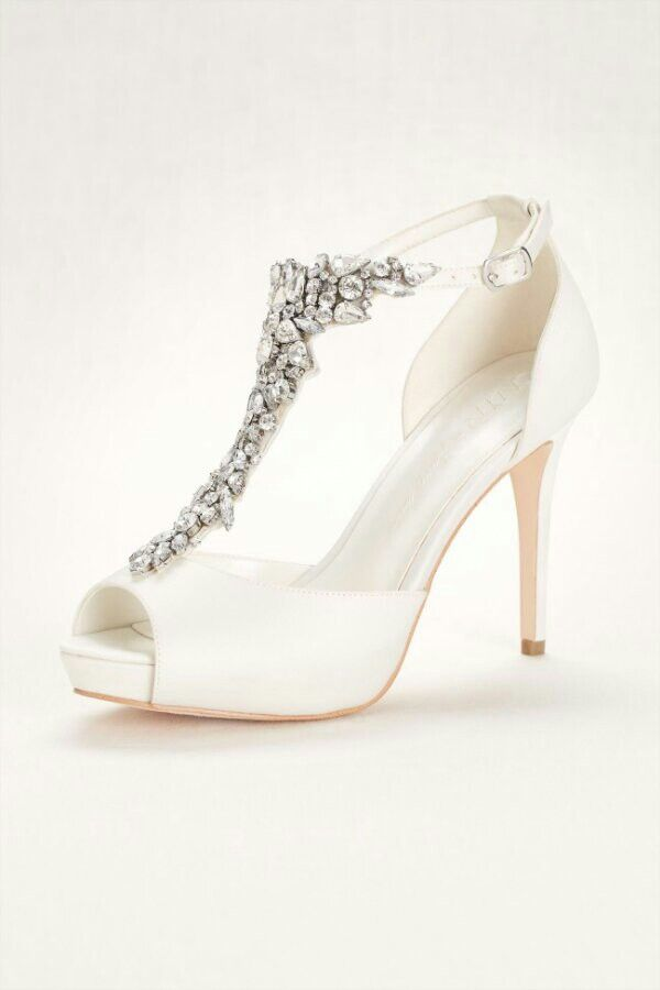 3f2df9a6657 Pin by Shannon Zoromski on <3 <3 <3 in 2019 | Wedding shoes, Bridal ...