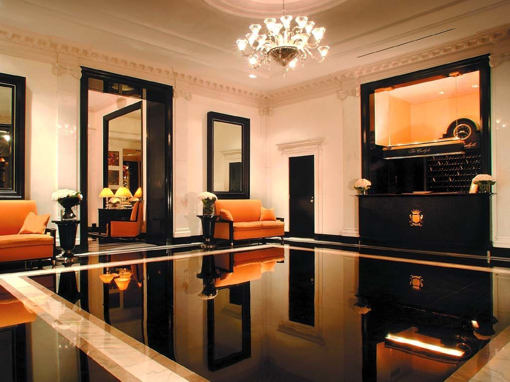 Now You Re In New York The Lobby Of The Carlyle Hotel Interior