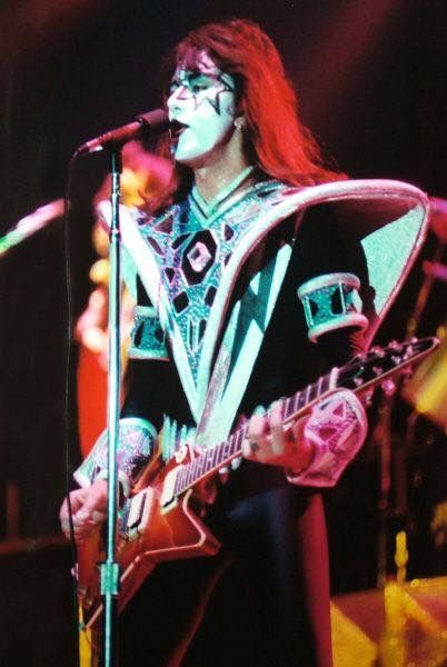 Pin By Pat On Kiss In 2020 Ace Frehley Kiss Concert Kiss Band