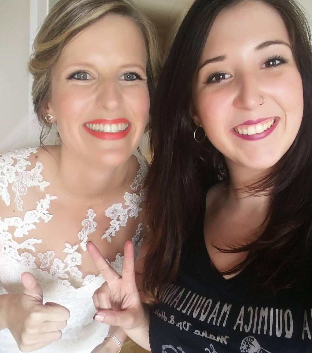 Hoy he tenido el placer de poner mas guapa todavía a Leanaic y su família de la mano de @zoecrespomakeupartist. Madre,hermana,cuñada,suegra y la Novia�� estos han sido nuestros lienzos de hoy���� Gracias a todas por la confianza y sobretodo Gracias a ti Leanaic, te mereces doblemente ser feliz�� . ��Hair & ��Makeup  @merakimuart · #follow Equipo �� @quimica_makeup. @hairdesiree @merakimuart · · #wedding #hair #hairstyle #noviaoriginal #peinadonovia #hairbride #weddingmakeup #noviaconestilo…