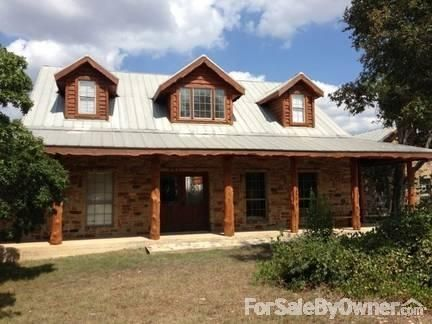 Hill country 4 BDR on 3.3 acres with spectacular view