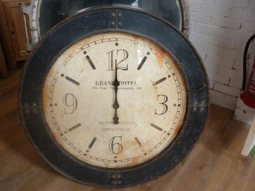 Extra Large Vintage Looking Grand Hotel Wall Clock 100cm In Diameter Stunning Wall Clock Grand Hotel Clock