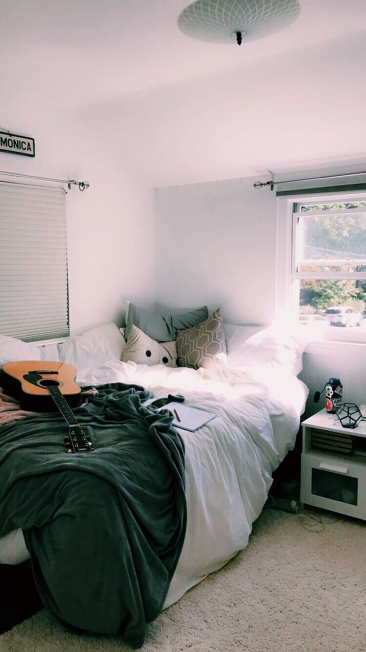 Pin By Callie Toal On Dreammmm Dorm Room Inspiration Dorm Room Decor Aesthetic Bedroom
