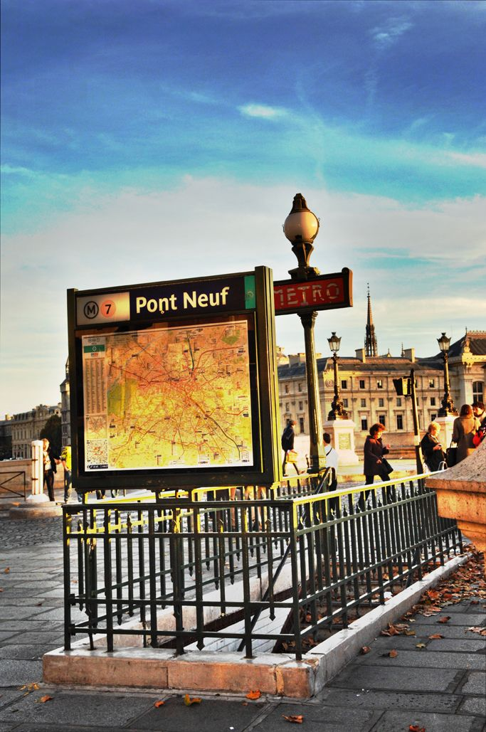 Métro Pont Neuf (Paris)