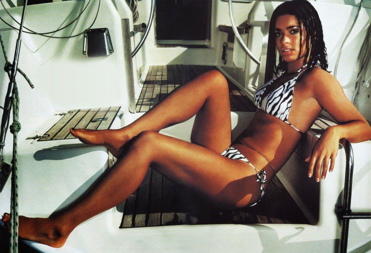 Cleavage Natalie Barrett naked (62 photos), Ass, Cleavage, Feet, in bikini 2015
