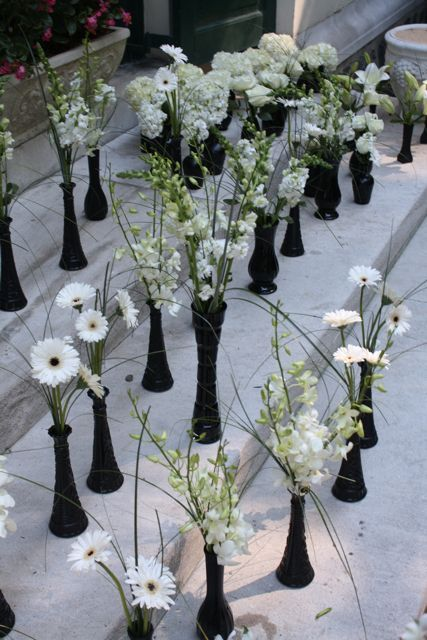 Black Vases With White Flowers For Centerpieces Weddings Shades