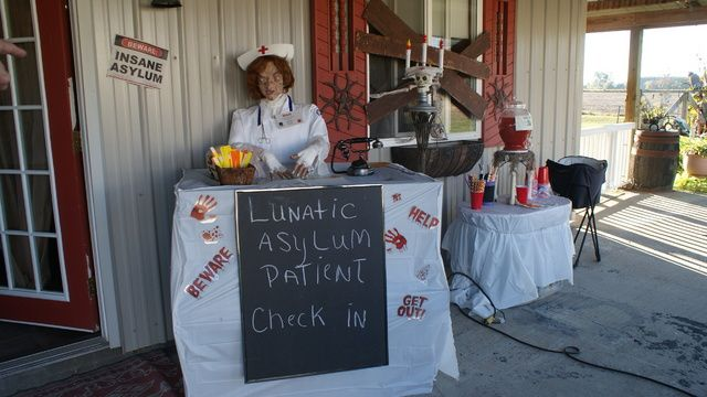 lunatic asylum by HF member obcessedwithit Halloween asylum ideas - decorate cubicle for halloween