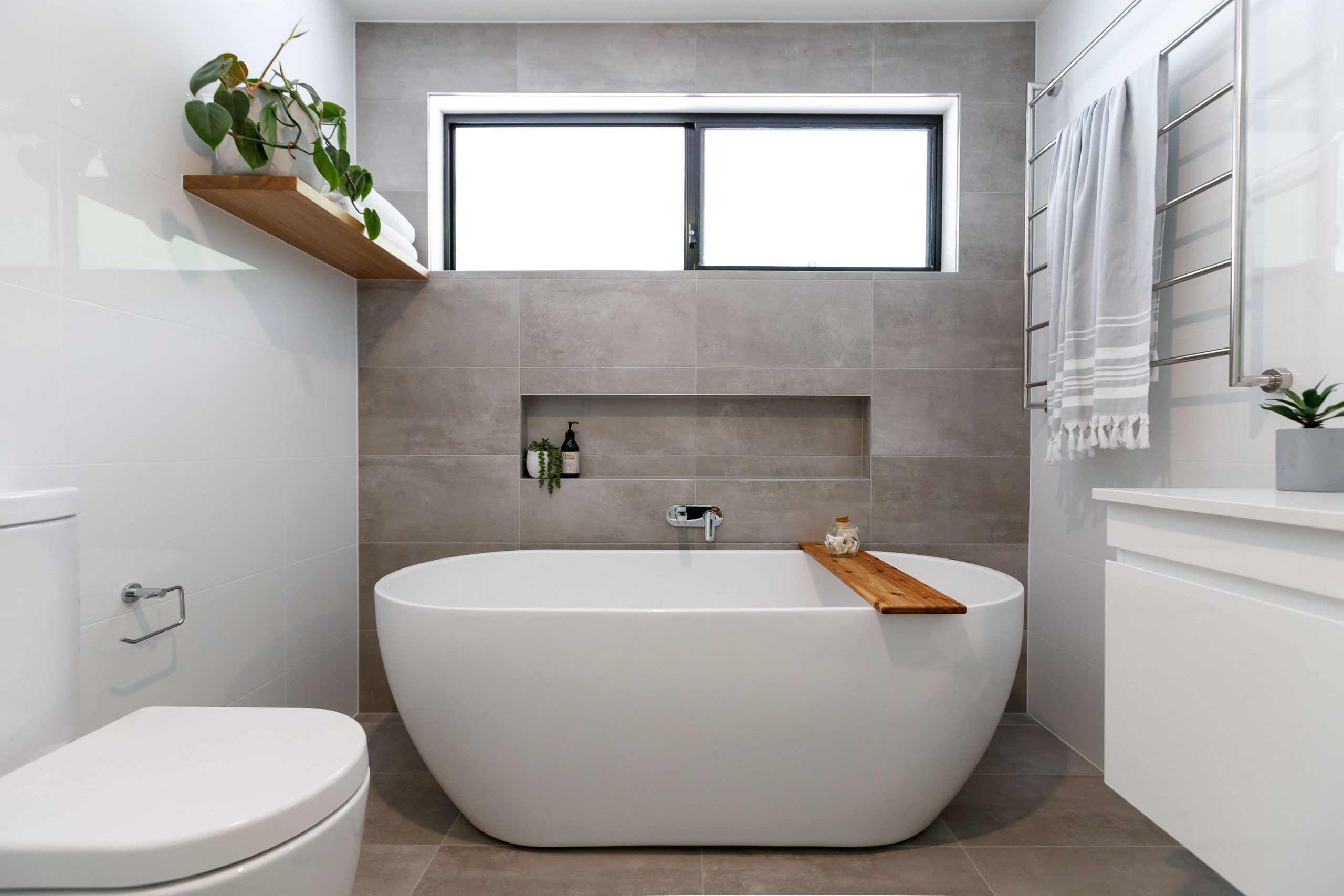 Freestanding Bath Main Bathroom In 2020 Bathroom Freestanding Free Standing Bath Concrete Tiles Bathroom