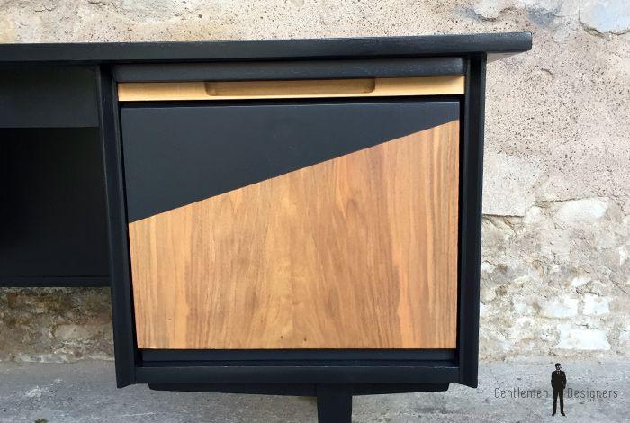 Bureau vintage noir et bois graphique pieds compas bureau